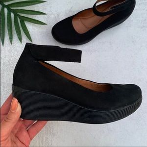 Clark's Artisan Claribel Fame Mary Jane Wedge Heel